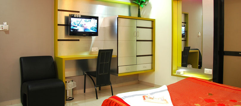 All rooms has AC, Wi-Fi, Internet facilities at Hotel Merit Surat